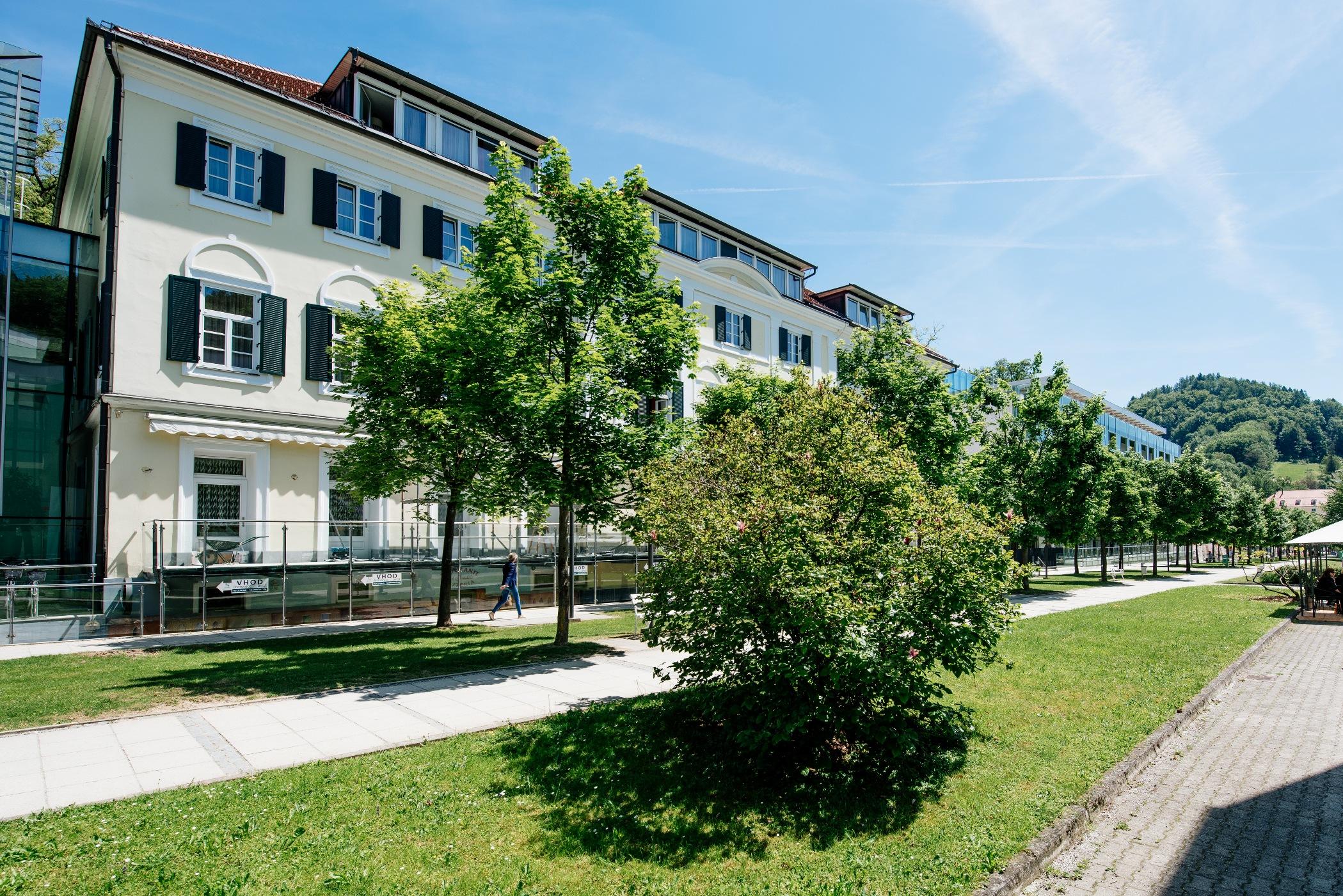 apiarhitekti-aparthotel-slatina-005